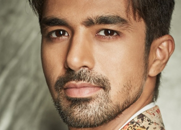 ZEE5 signs Saqib Saleem for their next, Rangbaaz