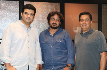 Ronnie Screwvala and Siddharth Roy Kapur reunite at the movies with Pihu!