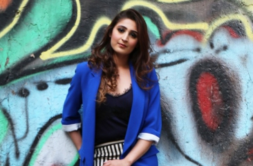 Dhvani Bhanushali's new version of Dilbar ranks 3 on the Billboard YouTube chart!