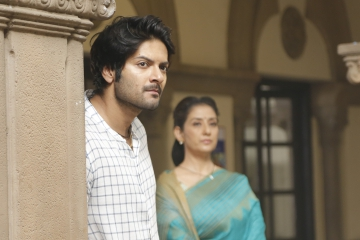 Ali Fazal opens up about his Prassthanam journey!